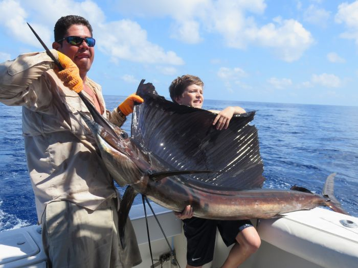 family-fishing-charters-quepos(6)